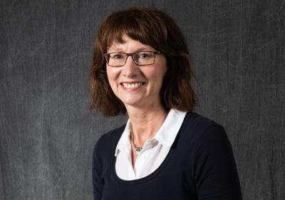 Dr. Elizabeth MacDougall